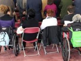El acceso al empleo de los discapacitados se resiente por la crisis