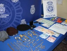 Detenidos por estafar con billetes de lotería falsa
