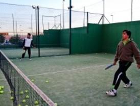 Las Rozas celebra el 2º torneo mixto de pádel interempresas