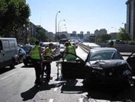 Seis heridos, dos de ellos atropellados, en una colisión en cadena en Conde Casal