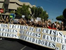Los sindicatos se concentran por cuarta vez frente a Hacienda