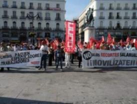 Madrid podría aplicar la rebaja del 3,3% a los funcionarios en 2013