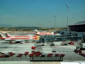 La niebla provoca retrasos de hasta tres horas en el Aeropuerto de Barajas