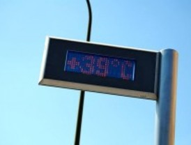 La ola de calor llevará los termómetros hasta los 38 grados y mantiene la alerta en Madrid