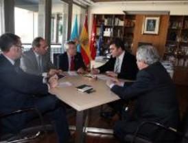 Alcaldes socialistas del sur de Madrid denuncian el bloqueo de Aguirre a la ley de dependencia