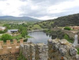 El PSOE presenta un plan para casi duplicar el número de turistas en 2015
