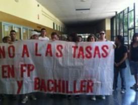 Encierro en IES San Blas contra el 'tasazo' de FP