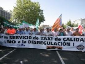 Las asociaciones de taxistas desconvocan la huelga del 1 de agosto