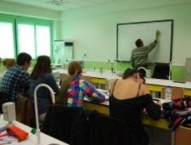 La Comunidad pagará 600 euros a los profesores de Lengua que hagan las pruebas CDI