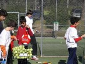 Deporte y Desafío organiza cursos de pádel para discapacitados