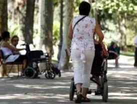 Gobierno y autonomías formarán a familiares de dependientes a partir de octubre