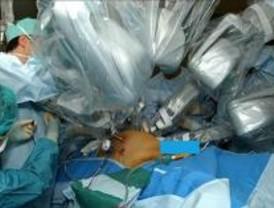 El hospital de 'Fuenla' utilizará un modelo japonés de telecirugía