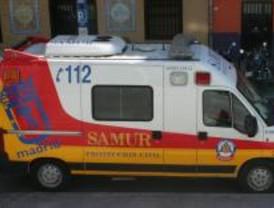 Herido grave tras chocar su moto contra un semáforo en el centro de Madrid