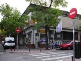 El antiguo mercado de Puerta Bonita permanece 'okupado' desde el miércoles