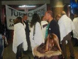 Encierro en el Marañón por el reconocimiento a la atención permanente al paciente