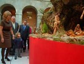 Un belén de más de 400 figuras se puede visitar en la Real Casa de Correos