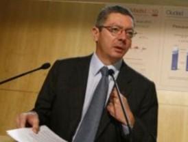 Gallardón dice que los ayuntamientos hacen más por el déficit que el Estado y las CCAA