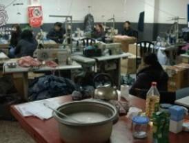 Detenidos por emplear mano de obra ilegal en talleres de confección