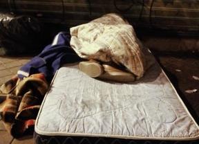 Indigentes durmiendo en la calle