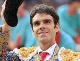 José Tomás y Paco Camino devuelven sus Medallas de Bellas Artes