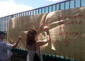 Los barrios se 'levantan' contra González y Botella