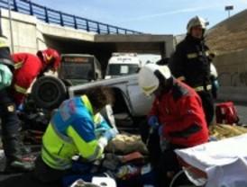 Un fallecido y un herido grave tras caer su vehículo desde la M-40 a la M-511