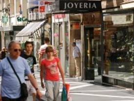 Arturo Fernández cree que la política de protección del consumidor crea empleo