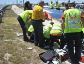 Herido grave el pasajero de un coche que salió despedido tras chocar con la valla protectora