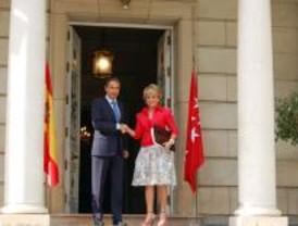 La Comunidad acusa a Zapatero de realizar una política de