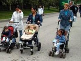 La ayuda a domicilio del Ayuntamiento por ser padres llega a 1.130 familias
