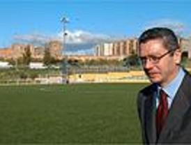 El Ayuntamiento invierte 7,6 millones para instalar césped artificial en 19 campos de fútbol