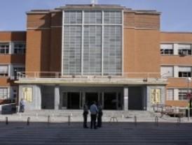 Detenidos por el asalto a la cafetería de Derecho de la Complutense en el que robaron 30.000 euros