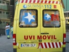 Herido grave un peatón que fue arrollado tras el choque de dos turismos en Rivas