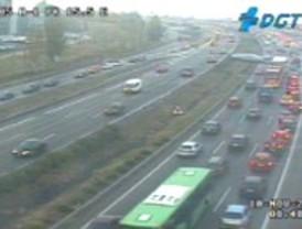 La lluvia retiene el tráfico en Madrid