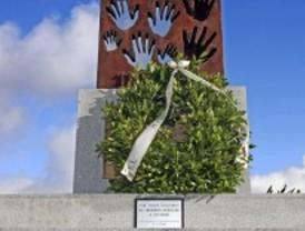 Leganés homenajea a los vecinos fallecidos el 11-M y al GEO muerto el 3-A