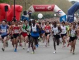 Más de 14.000 corredores en una edición récord de la media maratón