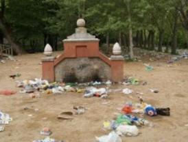 Vecinos y ecologistas denuncian la celebración de botellones