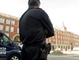 Los 'indignados' denuncian el trato de la Policía en el desalojo de la Plaza Mayor