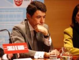 González pide que se investiguen urgentemente los dossieres