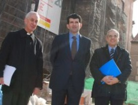 El Plan E restaura las fachadas de la plaza de San Lucas de Alcalá