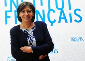 La alcaldesa de París invita a Botella a participar en la cumbre sobre desarrollo sostenible en 2015