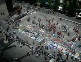 250 estudiantes homenajean a Picasso con un gran mural callejero