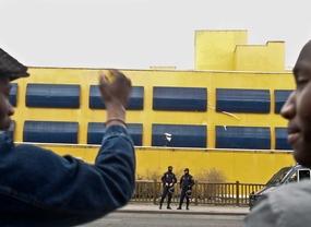Un inmigrante albanés logra escapar del CIE de Aluche trepando por una tubería