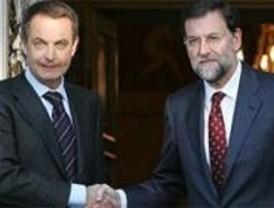 Zapatero ofrece a Rajoy 'diálogo permanente' para lograr unidad frente al terrorismo
