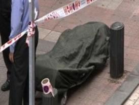 Mata a un hombre a puñaladas en un bar y hiere a otras seis junto al metro en Bilbao