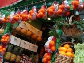 La Unión de Agricultores repartió 20.000 de kilos naranjas para pedir precios justos