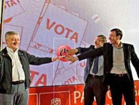 El PSOE apuesta por lo público y la gente corriente