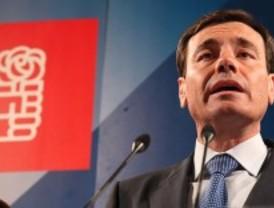 Socialistas críticos constituyen un grupo para pedir la dimisión de Tomás Gómez