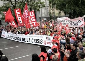 Los sindicatos exigen empleo de calidad y una renta mínima para desempleados
