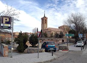 Aparcamiento de la iglesia, en Las Rozas